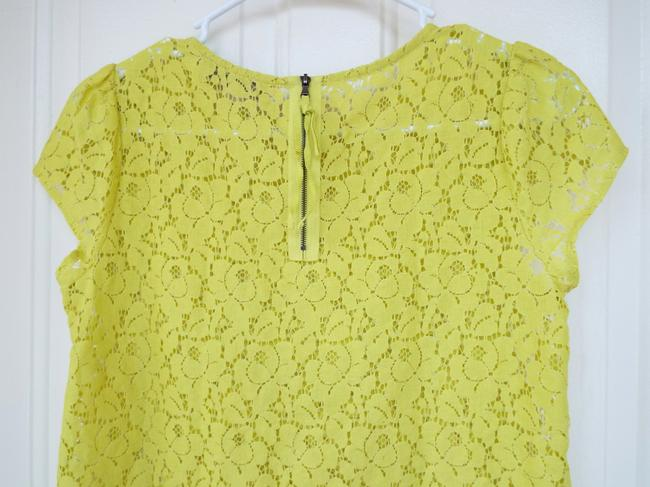 Ann Taylor LOFT Lace Capped Sleeve Zipper Floral Casual Top lime green