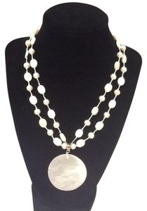 NWT Talbots Mother of Pearl Medallion necklace