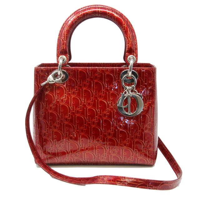 Item - Christian Quilted Lady Cannage with Strap Cross Body Burgundy Patent Leather Shoulder Bag