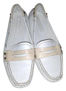 Banana Republic Chic Comfortable white Flats