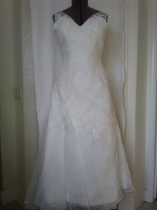 Jj's House Wedding Dress