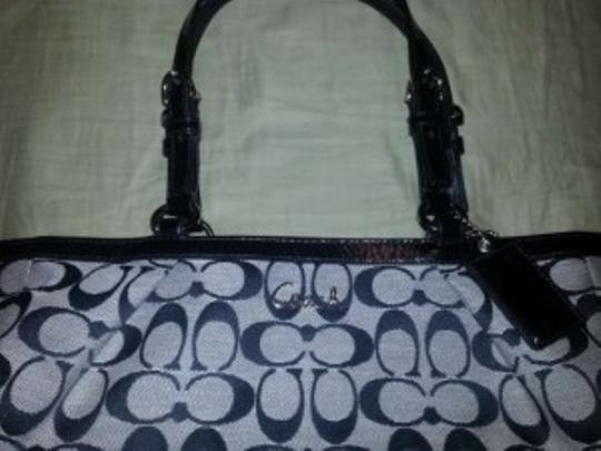 Coach Tote in Black Signature