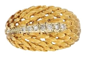 STEAL -18k gold 1/12 ct diamond feather-like textured band