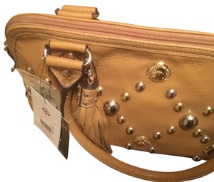 House of Deréon Satchel in Tan