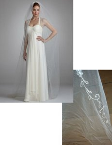 David's Bridal Elegant Embroidered Edge Chapel Length Veil