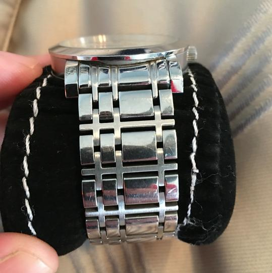Burberry burrberry watch Image 2