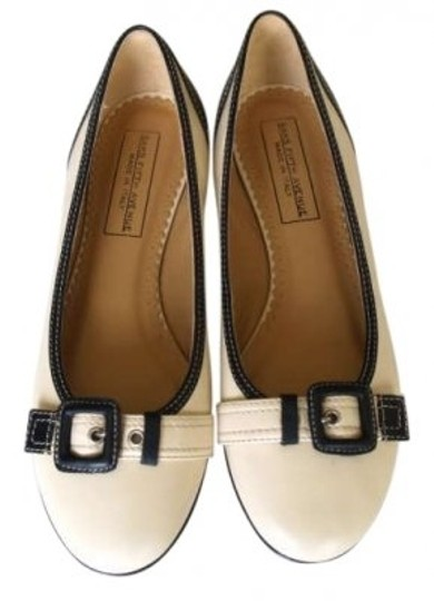Preload https://item4.tradesy.com/images/saks-fifth-avenue-cream-and-black-flats-size-us-8-191193-0-0.jpg?width=440&height=440