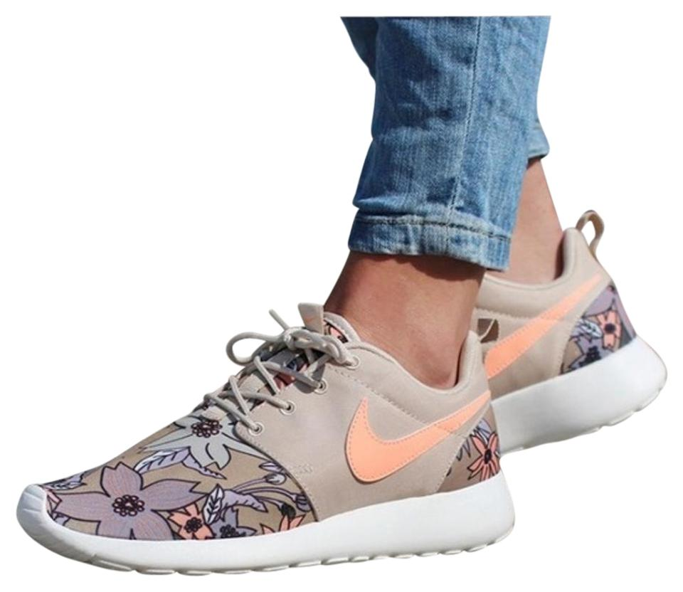 c08006508c564 Nike Beige Women Roshe One Print Premium Aloha Flowers New Sneakers ...