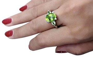 Vibrant 3.9Ct. Apple Green Peridot Ring August Birthstone, Size 6.5