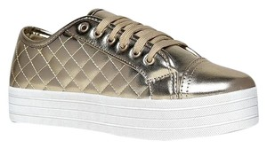 Breckelle's Closed-toe Instock Low Cyber06gold-7 Gold Athletic