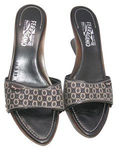 Salvatore Ferragamo Italy Wood Jacquard Black Brown Wedges