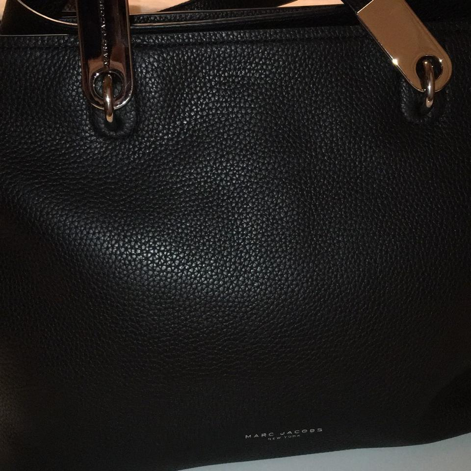 f94daa780871 Marc Jacobs Leather Pike Place Silver Silver Hardware Tote in Black Image  11. 123456789101112