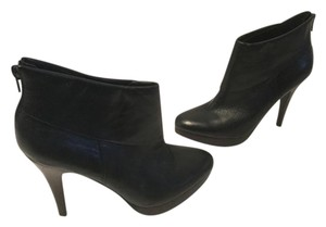 Steve Madden Stacked Wood Heels Padded Insoles Black leather foldover platform ankle Boots