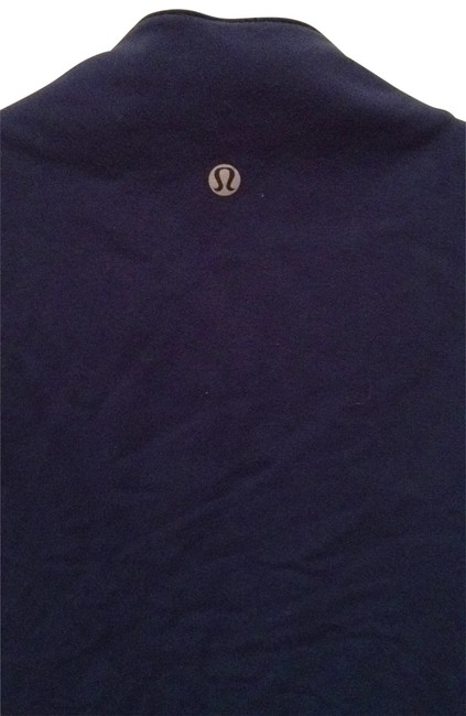 Preload https://item1.tradesy.com/images/lululemon-navy-blue-activewear-top-size-6-s-28-191310-0-0.jpg?width=400&height=650