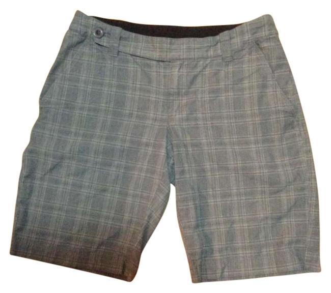 Preload https://img-static.tradesy.com/item/191314/the-north-face-grey-blue-pinstripe-plaid-bermuda-shorts-size-6-s-28-0-0-650-650.jpg