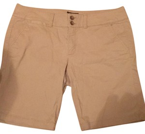 American Eagle Outfitters Bermuda Shorts Tan