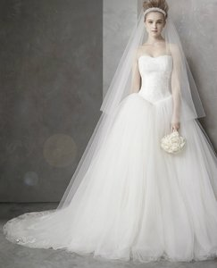 Ivory By Vera Wang Ball Gown Wedding Dress Wedding Dress