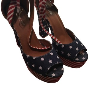ShoeDazzle Red, white and blue Platforms