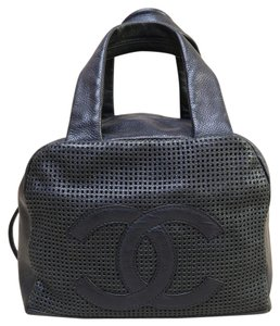 Chanel Leather Navy Blue Tote in Darkblue
