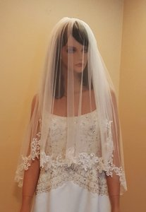 Brial 2 Tier Lace Veil With Comb