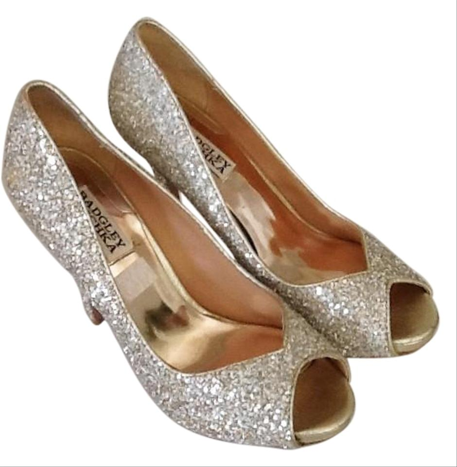 f0af3e9e2fe Badgley Mischka Sparkly Silver Formal Shoes. Size  US 7.5 Regular (M ...