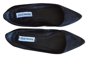 Steve Madden Pointed Toe Black Flats