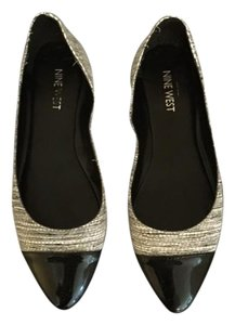 Nine West Flat Pattern Striped White and Black Flats