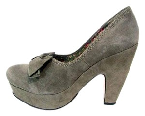 Seychelles Suede Chunky Bow Platform Gray Pumps