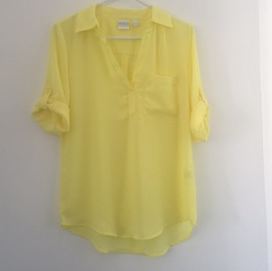 New York & Company Top Pale yellow