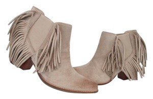 Coconuts by Matisse ivory Boots