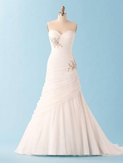 Alfred Angelo White Disney's Rapunzel #221 Wedding Dress Size 6 (S)