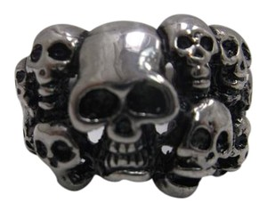 Pre-Owned Skull Ring w Scuff Mark on Back Size 10.75 w Free Shipping