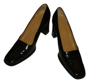 Hermes black leather Pumps