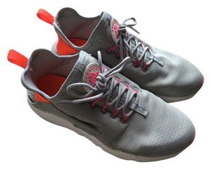 Nike Grey/Pink/Orange Athletic