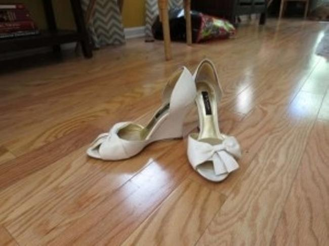 Item - Ivory Pump Peep Toe Wedges Size US 9