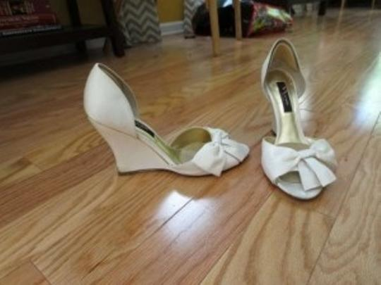 Nina Shoes Ivory Pump Peep Toe Wedges Size US 9