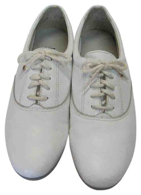 Item - White M Leather Very Good Condition Flats Size US 8 Regular (M, B)