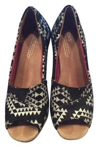 TOMS Classic Wedge Black and Silver Wedges