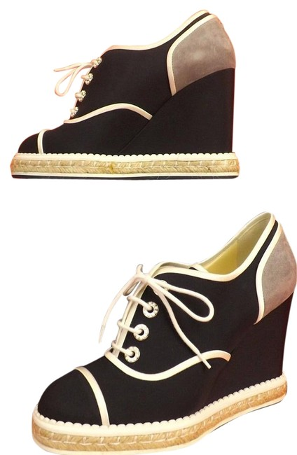 Item - Navy Blue/ Gray/ White Two Tone Canvas Suede Lace Up Pearls Cc Logo Espadrille 40 Wedges Size US 10 Regular (M, B)