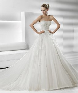Pronovias Sharon Ballgown Lace Tulle Corset Wedding Dress