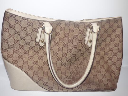 Gucci Satchel/Tote Style Excellent Vintage Equestrian Bold Gold Horsebit Style Satchel in brown large logo print canvas, yellow accent, white leather Image 6