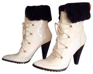 Two Lips White Boots