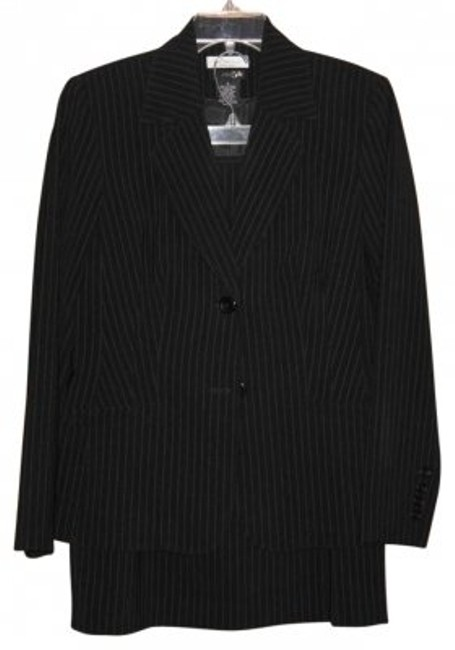 Preload https://img-static.tradesy.com/item/191632/east-5th-essentials-black-pin-stripe-skirt-suit-size-6-s-0-0-650-650.jpg