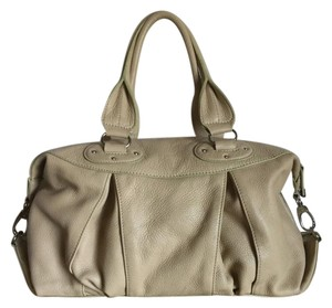 Maxximum Tote Leather Soft Excellent Condition Satchel in Tan
