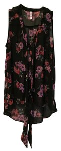 Xhilaration Sleeveless Button Down Top Black with Flowers