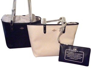 Coach Satchel Shoulder Tote in Ivory Black GOLD TONE