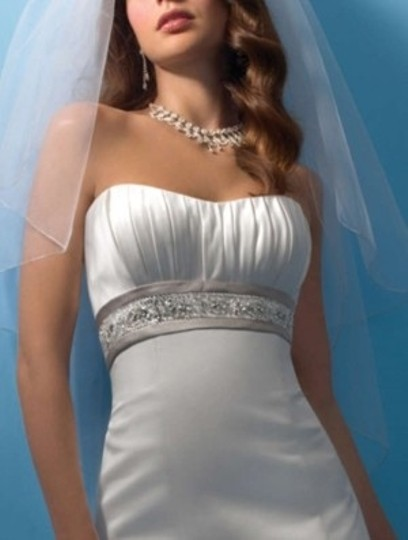 Alfred Angelo 2105 Wedding Dress