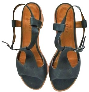 Coclico Green Sandals