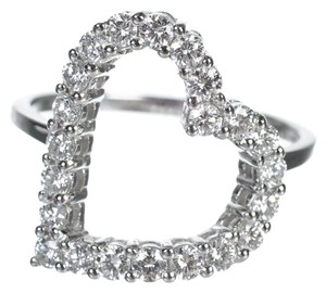 Gucci Gucci 18k White Gold and Diamond Heart Ring