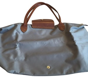 Longchamp Tote in Gey
